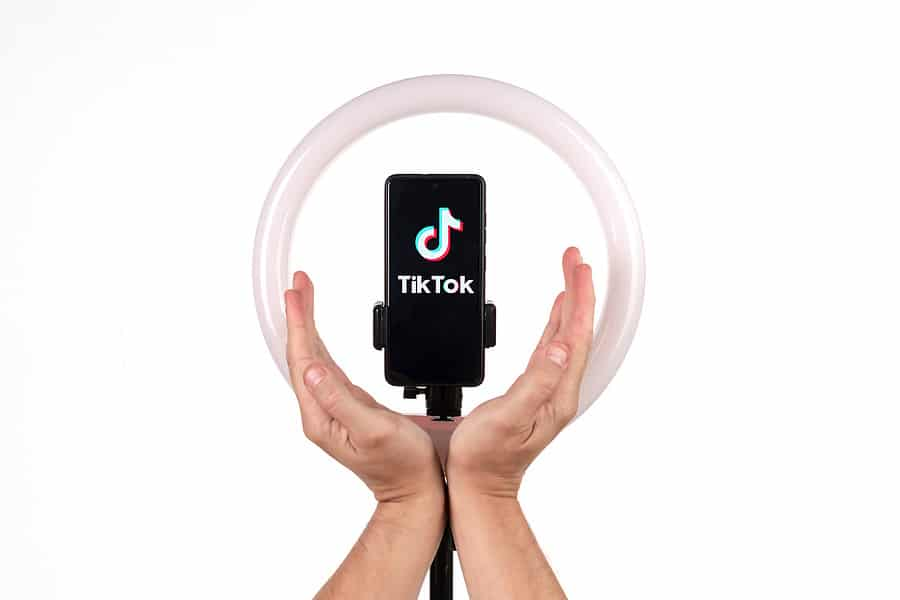 TikTok & Instagram Reels: A Quick Guide to Producing Short Video Content